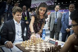 Leyla Aliyeva, Vice-President of the Heydar Aliyev Foundation, makes the first move in the game of Magnus Carlssen, the member of Norwegian national team, the world champion, versus Filipino Julio Catalino Sadorra.