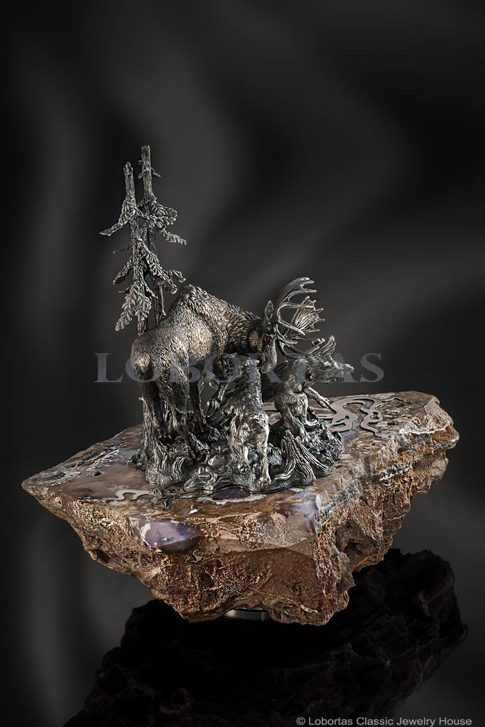sculpture-moose-and-wolves-18-12-30-1-1.jpg