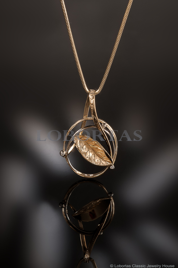 gold-diamond-pendant-18-09-589-1.jpg