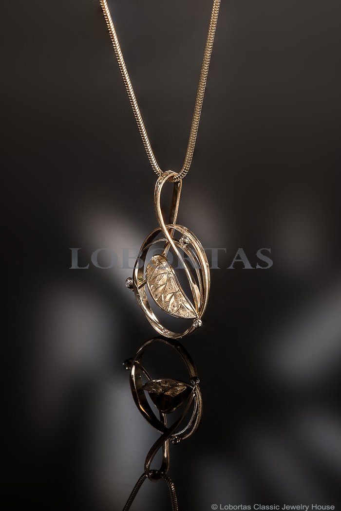 gold-diamond-pendant-18-09-589-2.jpg