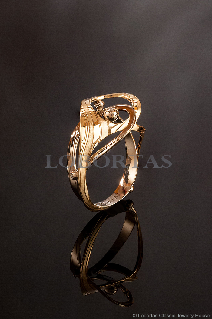 1-gold-diamond-ring-17-05-255.jpg