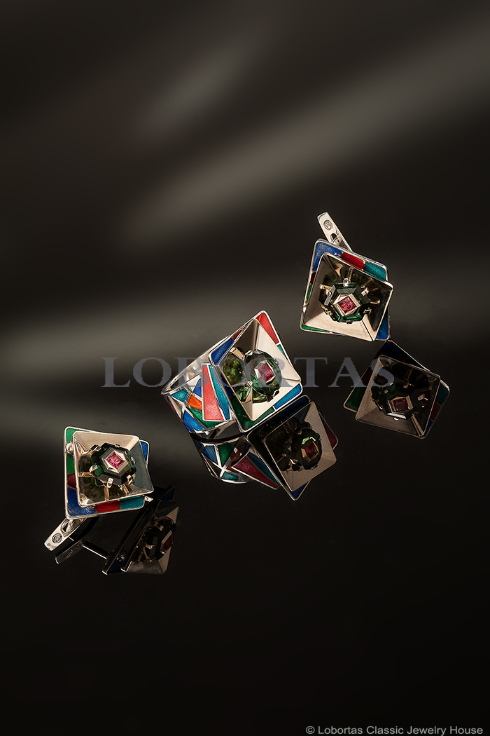 enamel-spinel-tourmaline-ring-earrings-set-impression-2.jpg