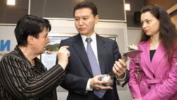 FIDE President Kirsan Ilyumzhinov; honored master of sports, chairwoman of FIDE women's commission Nona Gaprindashvili; world chess champrion Alexandra Kosteniuk