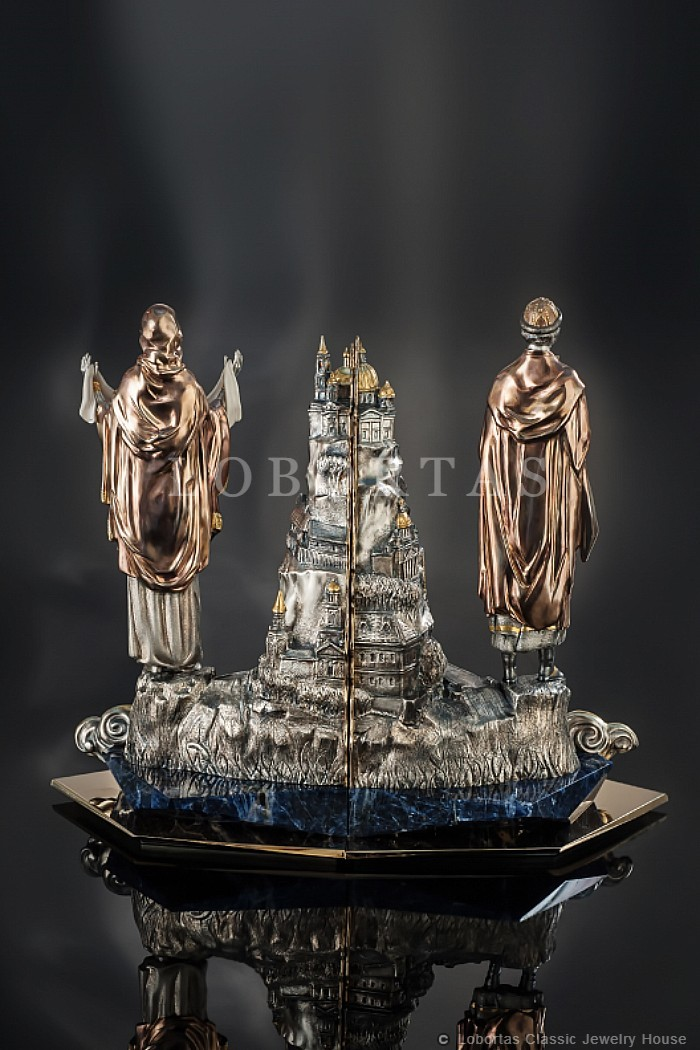 bookends-saint-mary-and-vladimir-122220-2-4.jpg