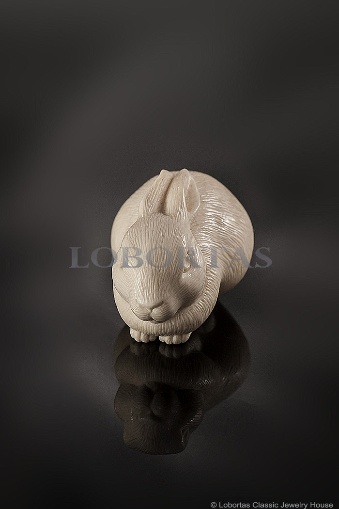 ivory-sculpture-rabbit-190613-2-2.jpg