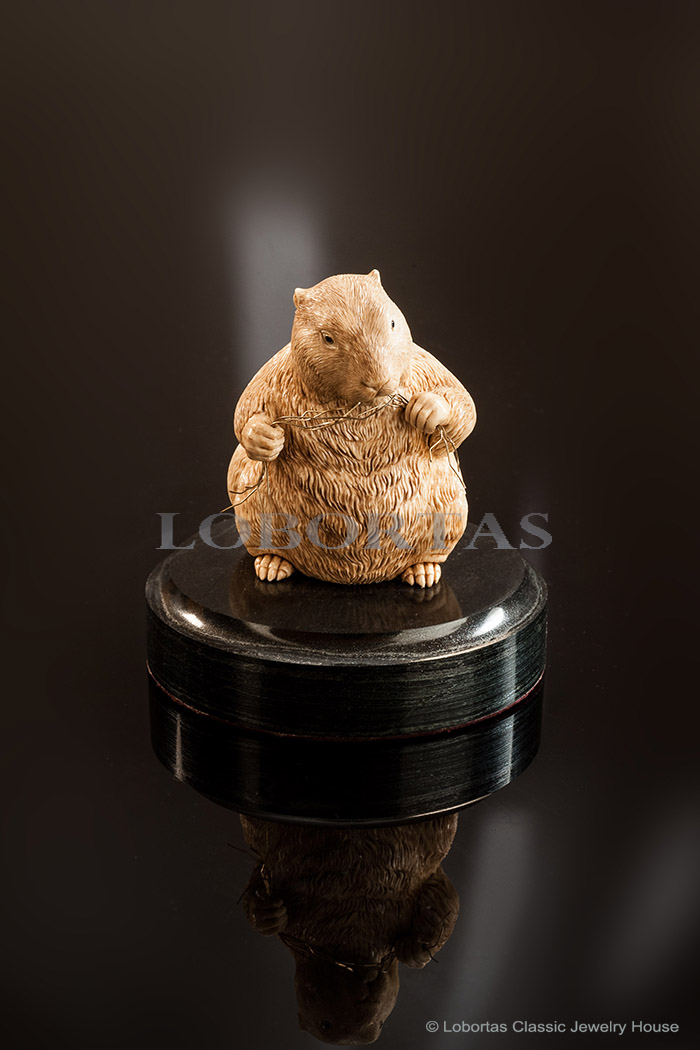 ivory-gold-blue-sapphier-pyrrhotite-sculpture-gopher-151223-1-1.jpg