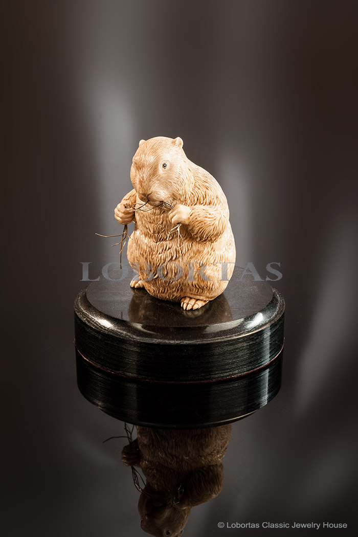 ivory-gold-blue-sapphier-pyrrhotite-sculpture-gopher-151223-1-2.jpg