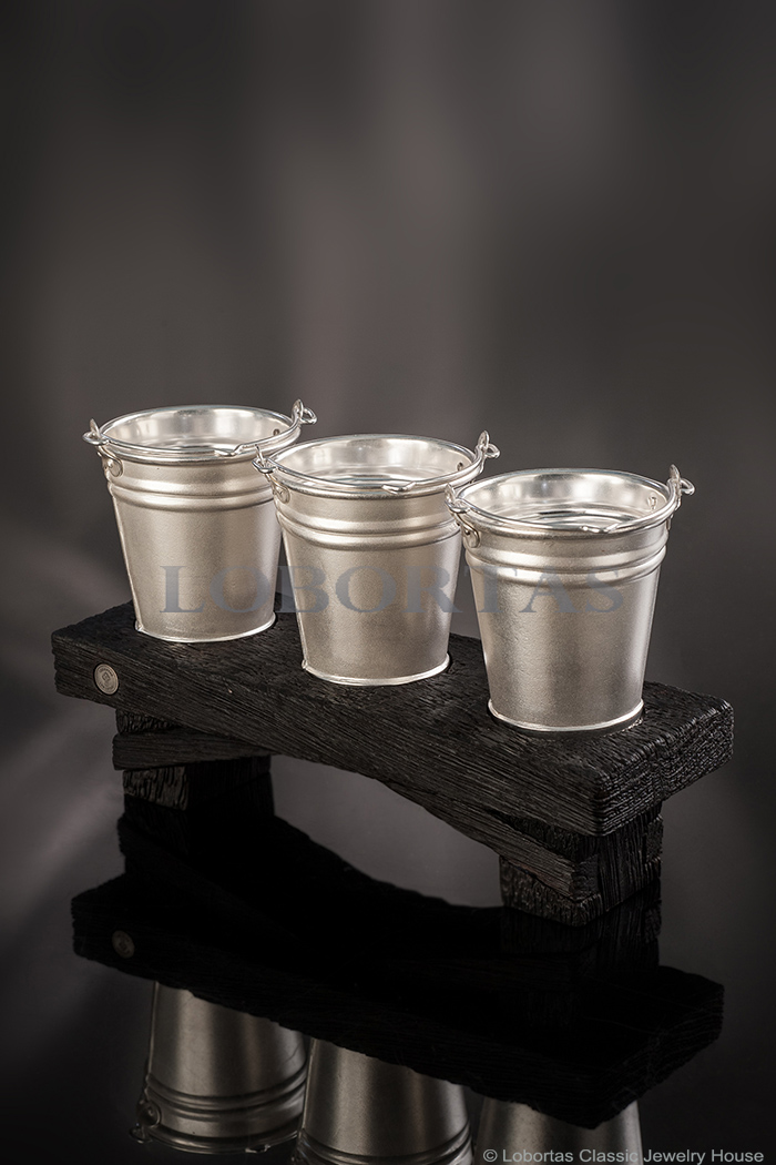silver-shot-glasses-set-19-11-768-1.jpg