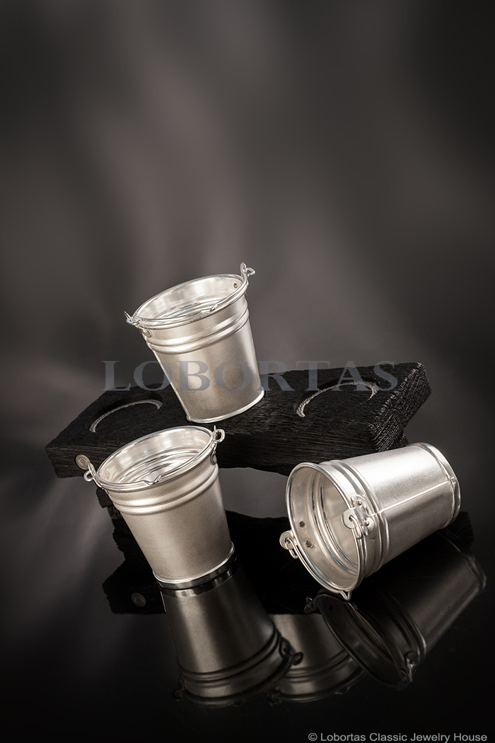 silver-shot-glasses-set-19-11-768-2.jpg