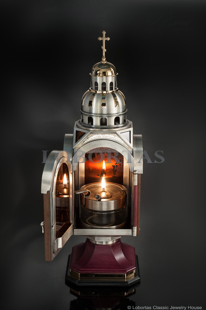 small-vigil-lamp-17-01-048-3.jpg
