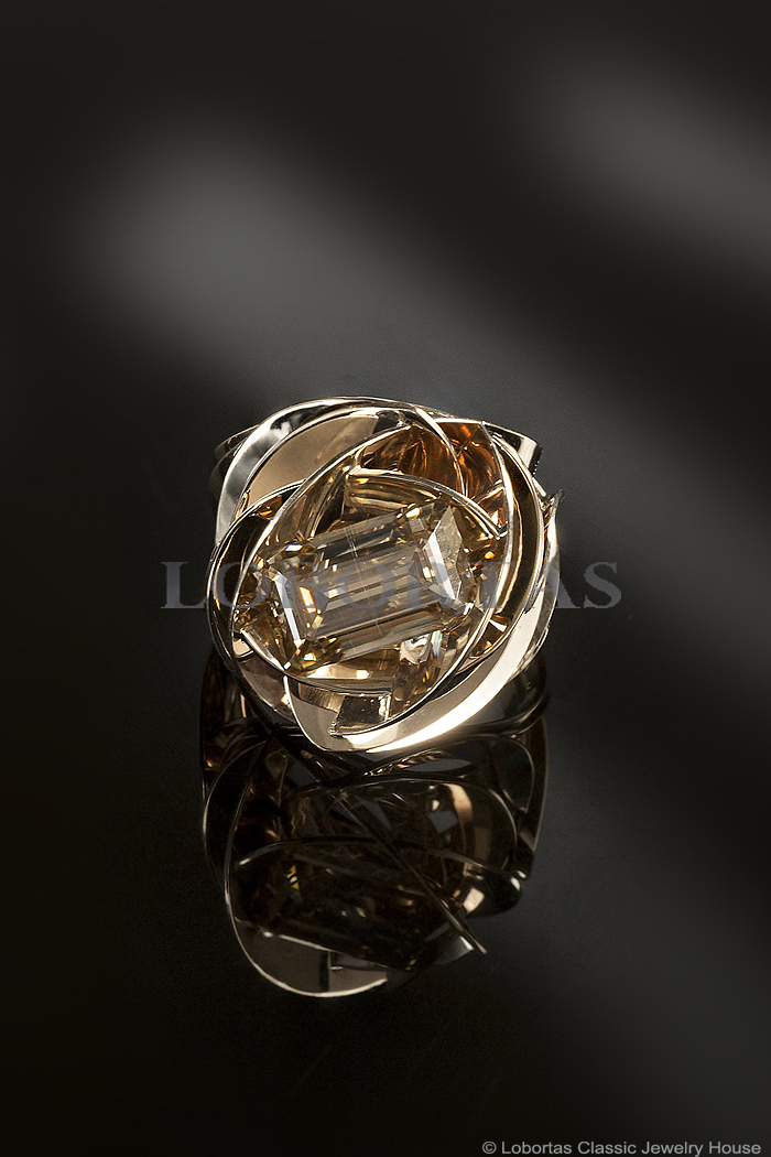 moissanite-gold-ring-18-03-145-4.jpg