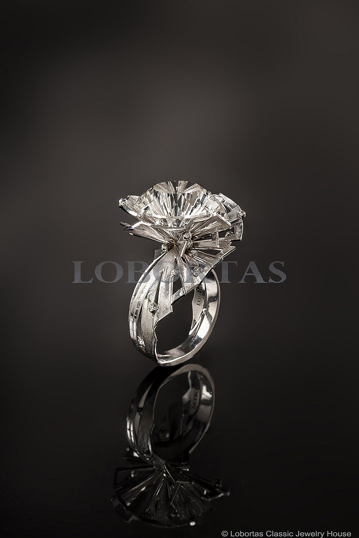diamond-topaz-gold-ring-18-02-068-1.jpg