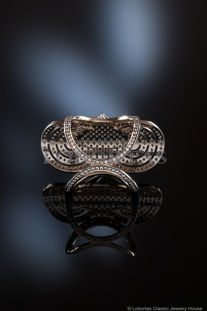 white-and-black-diamond-gold-452-4.jpg