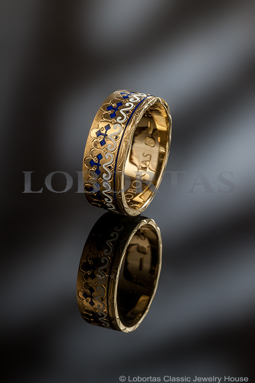 gold-enamel-ring-14-07-466.jpg