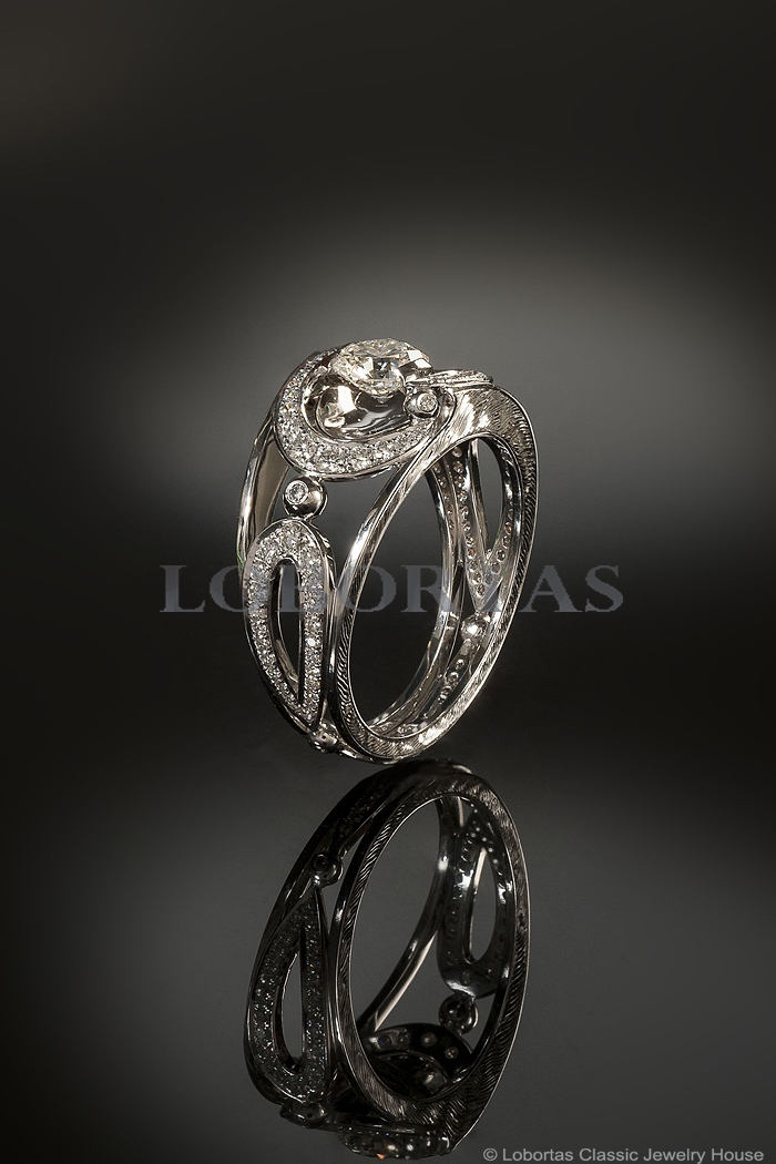 diamond-gold-ring-16-01-024-1.jpg