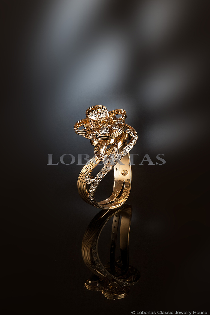 diamond-gold-engagement-ring-160425-1.jpg
