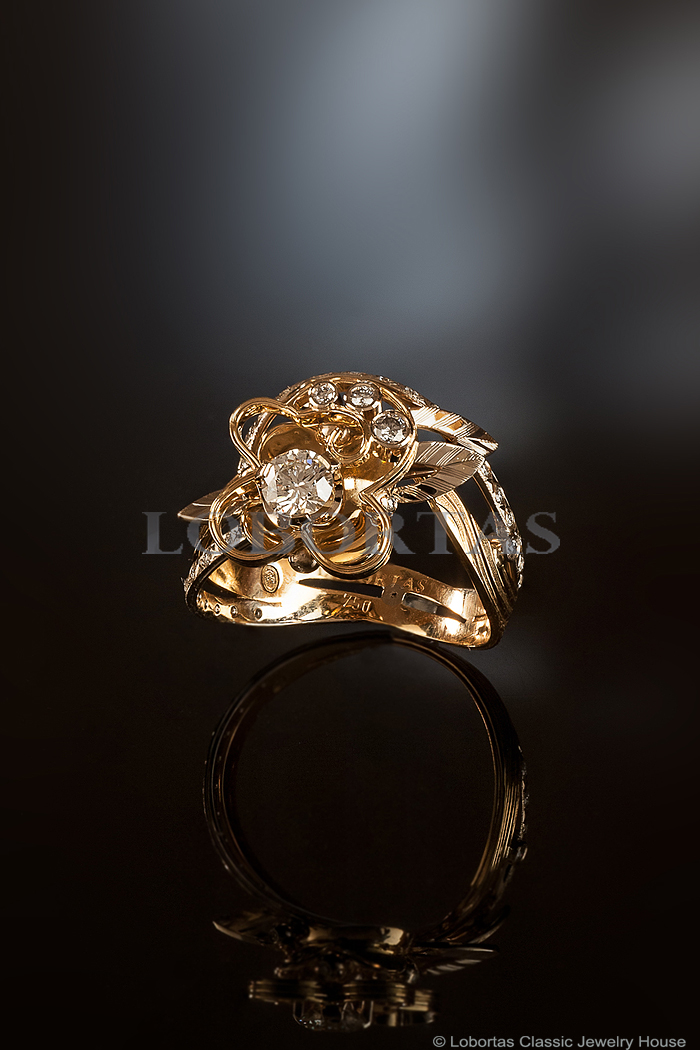 diamond-gold-engagement-ring-160425-2.jpg